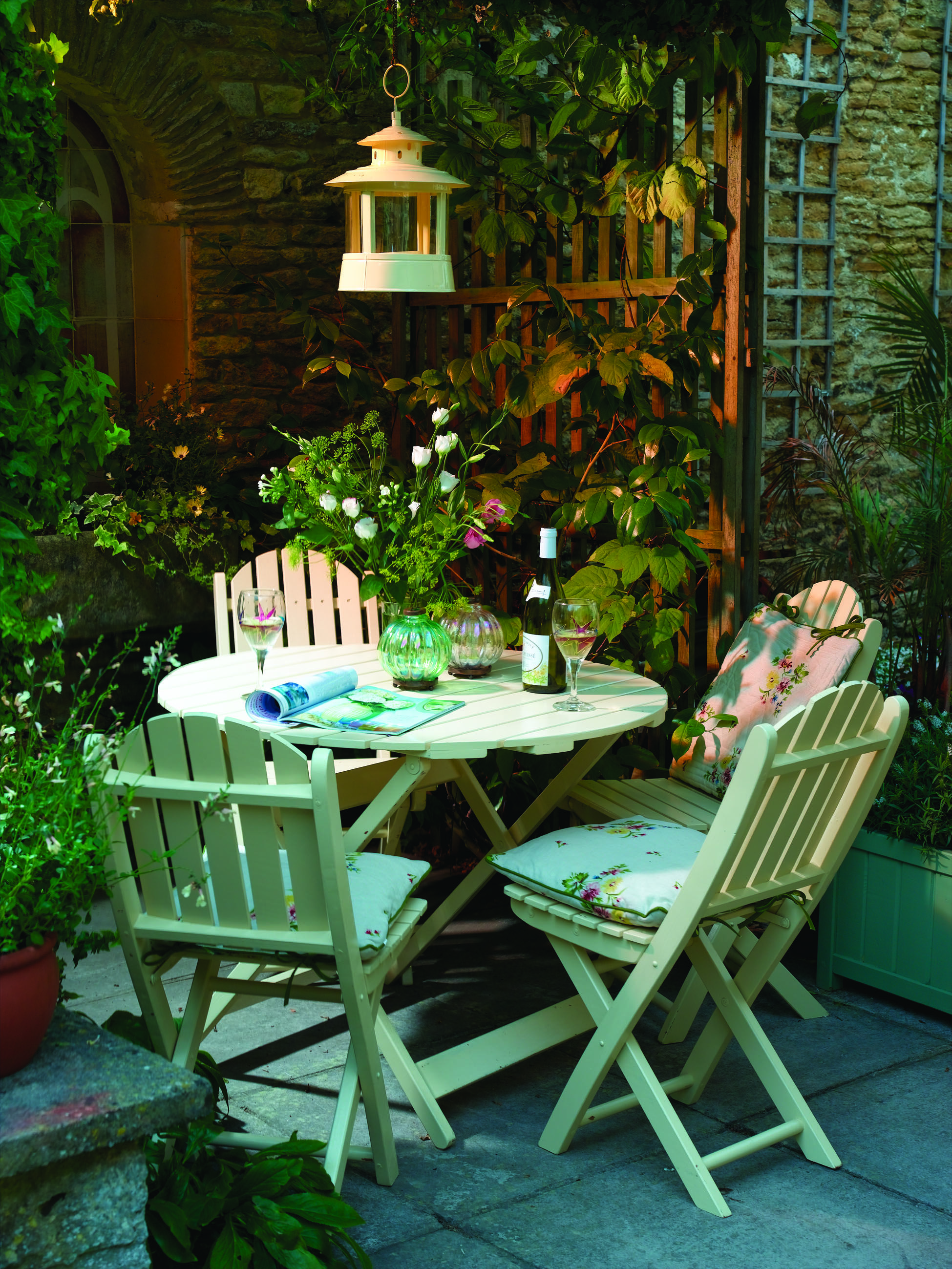 I adore little courtyard spaces  Small cottage garden ideas