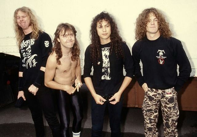 In gym class our teacher likes to play 80s music which is cool so he played Livin' On A Prayer and @stayyystreet and I were singing it at the top of our lungs and it was so fun #jameshetfield#jameshotfield#kirkhammett#larsulrich#jasonnewsted#metalupyourass#metallicafamily