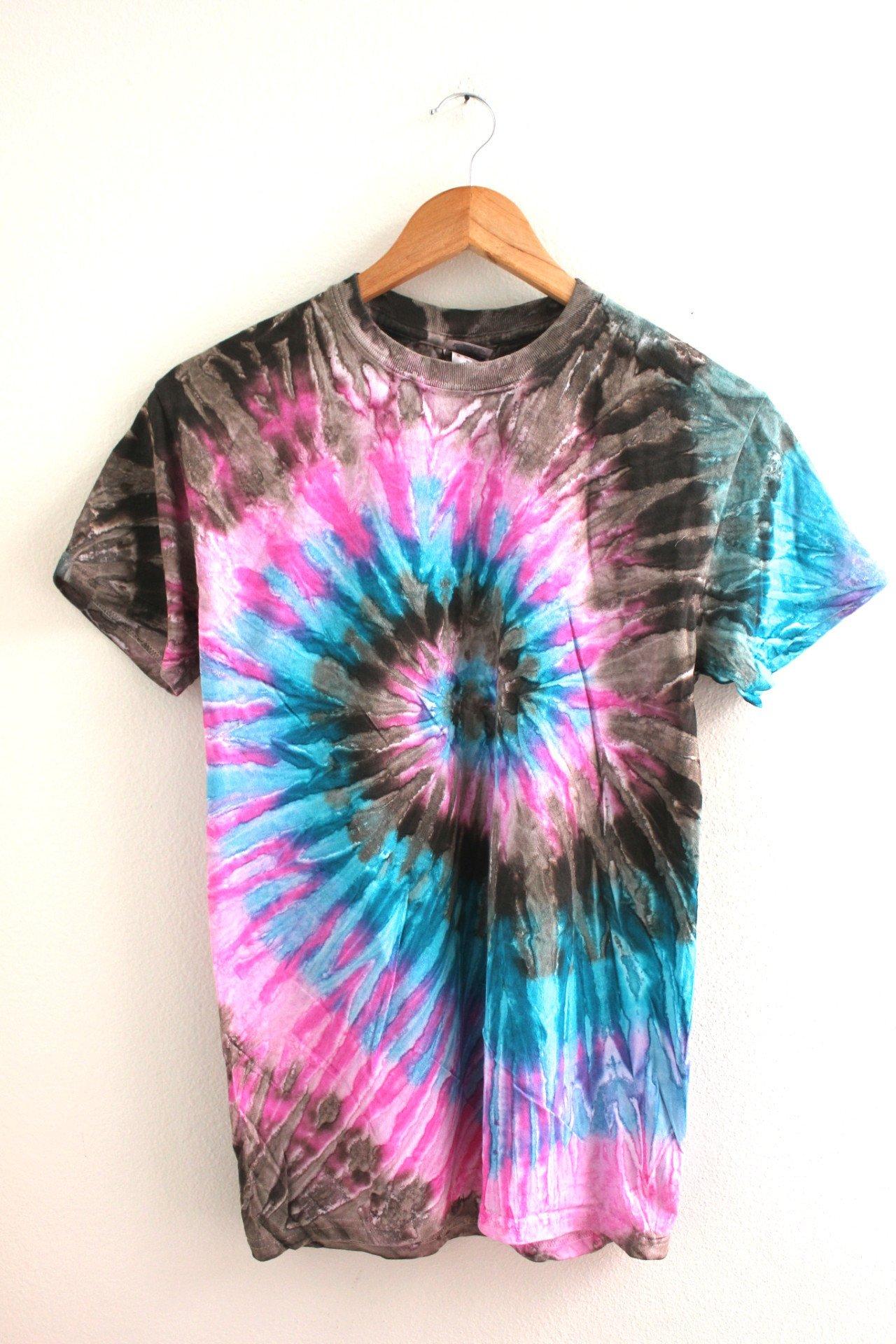 Lotus Tie Dye Unisex Tee Era Of Artists Tie Dye Shirts Patterns Tie Dye Outfits Tie Dye Diy [ 1920 x 1280 Pixel ]