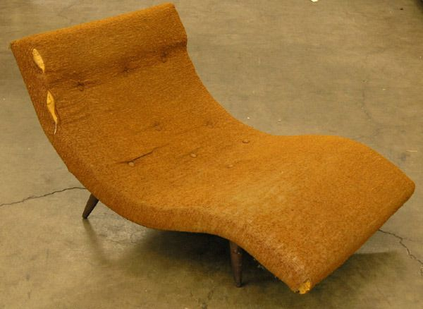 176: Mid century s shaped lounge chair : Lot 176