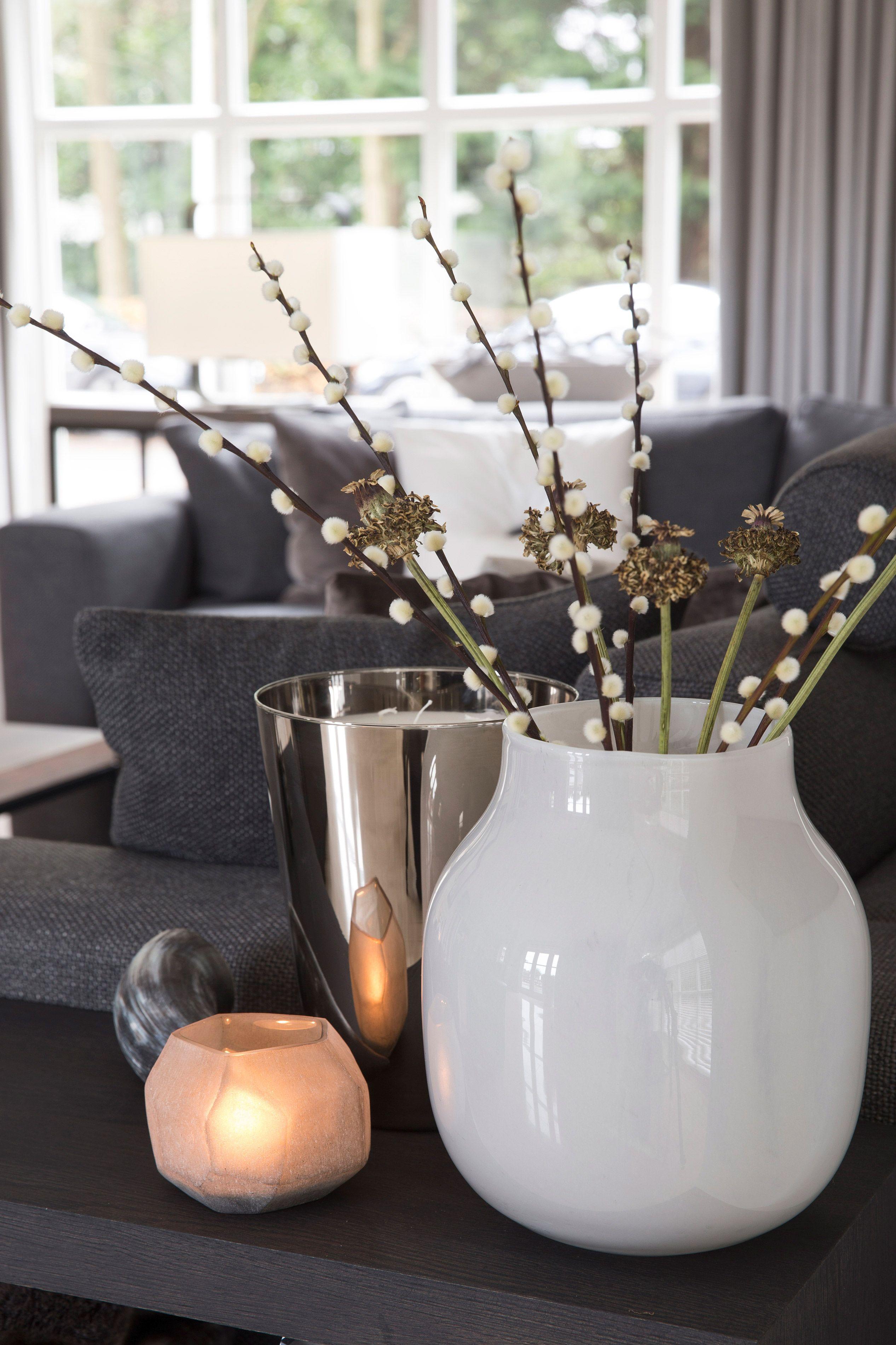 Witte vaas met katjes   bloemen ; boeketten   Pinterest   Dekoration ...