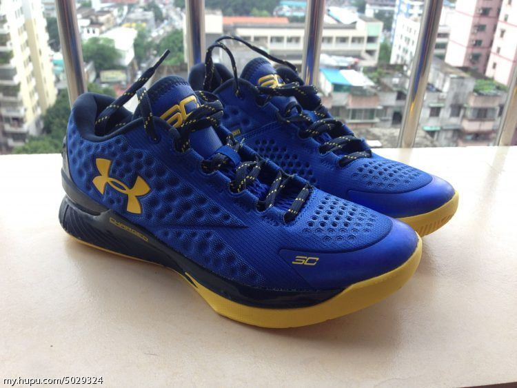865b4c35c5c0 Under Armour Curry One Low Warriors (1)