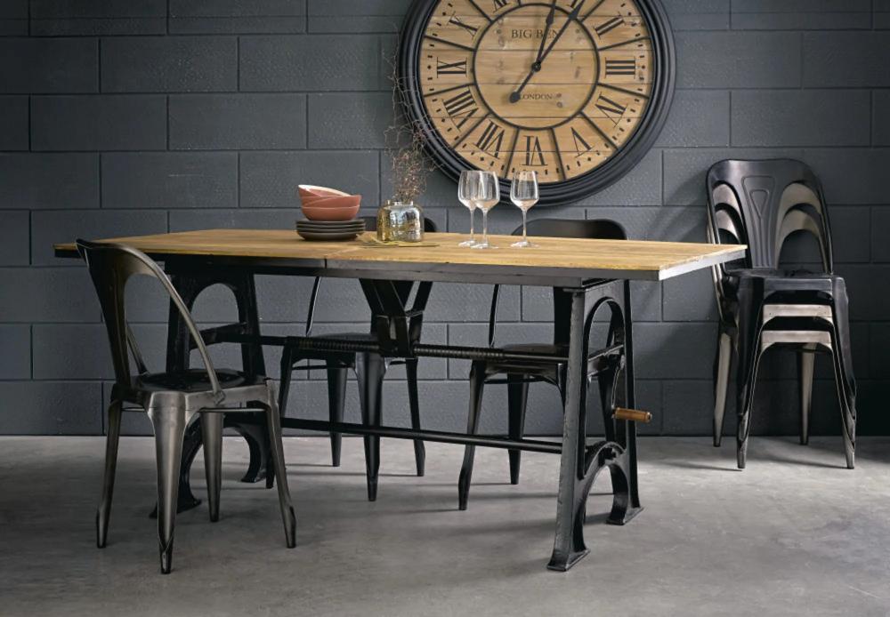 Chaise Indus En Metal Grise Maisons Du Monde Table A Manger 10 Places Salle A Manger Design Table Salle A Manger