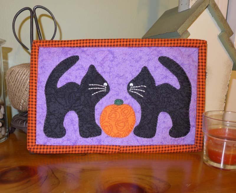 Black Cats Halloween Mug Rug | jf | Pinterest