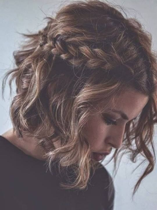 Messy Braided Hairstyle For Short Curly Hair Bridesmaid Hair Updo Messy Popular Haircuts Medium Hair Styles Short Hair Styles Short Hair With Bangs