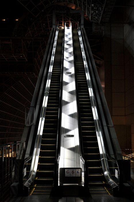 Satoshi Okazaki Escalator Photography Facade Lighting