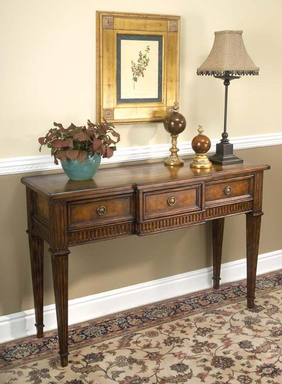 Classic Hallway Table W 3 Drawers