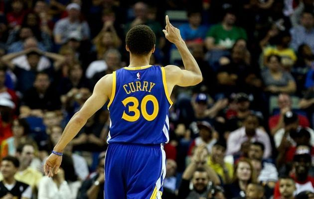 Stephen Curry Continues To Revolutionize The Nba For Christ Christian Athletes Sports Stephen Curry