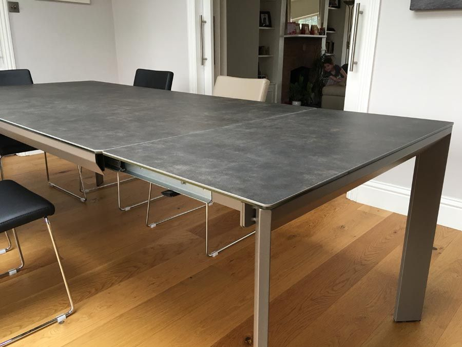 Urban ceramic dining table Extendable dining table