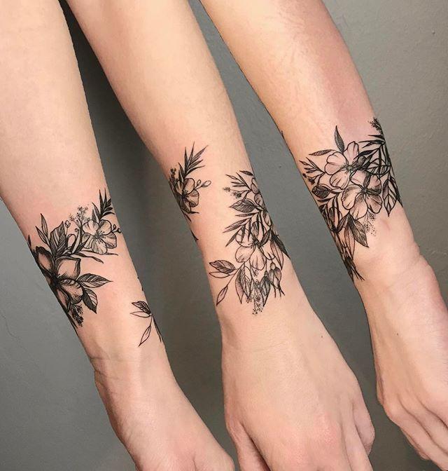 57cc20f55 #tattoo#tattooartist #art#cheyenne_tattooequipment #inkbooster  #botanicaltattoo #linework #dotwork
