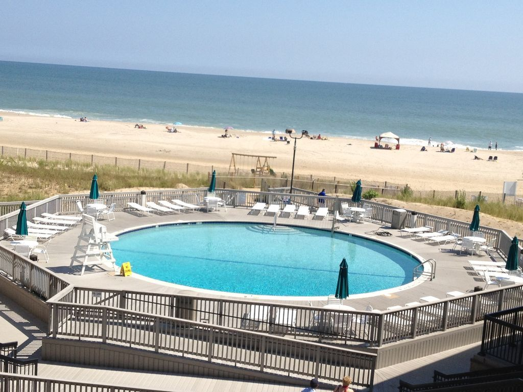 Most Affordable Oceanside Condo In Sea Colony Just Steps From The Beach And Half A Mile South Of Downtown Bethany Beach Summer Vacation Spots Vacation Rental