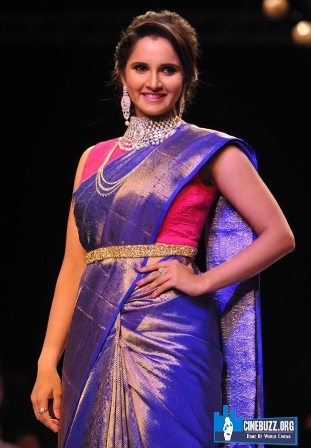 Hot And Unseen Pics Of Actress Sania Mirza walks the ramp at IIJW ...