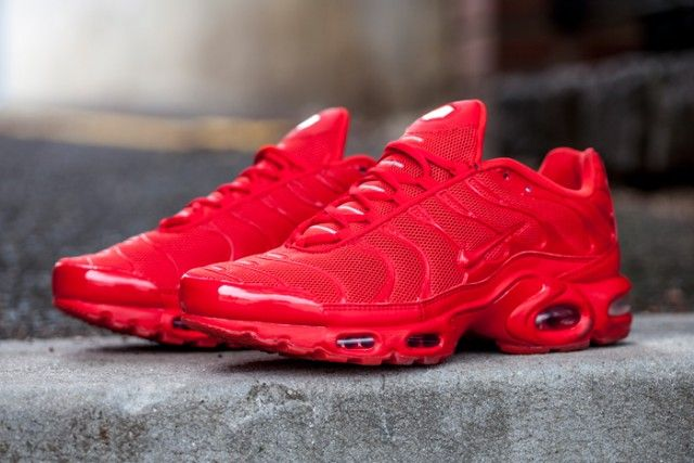 where can i buy nike air max plus lava red paint