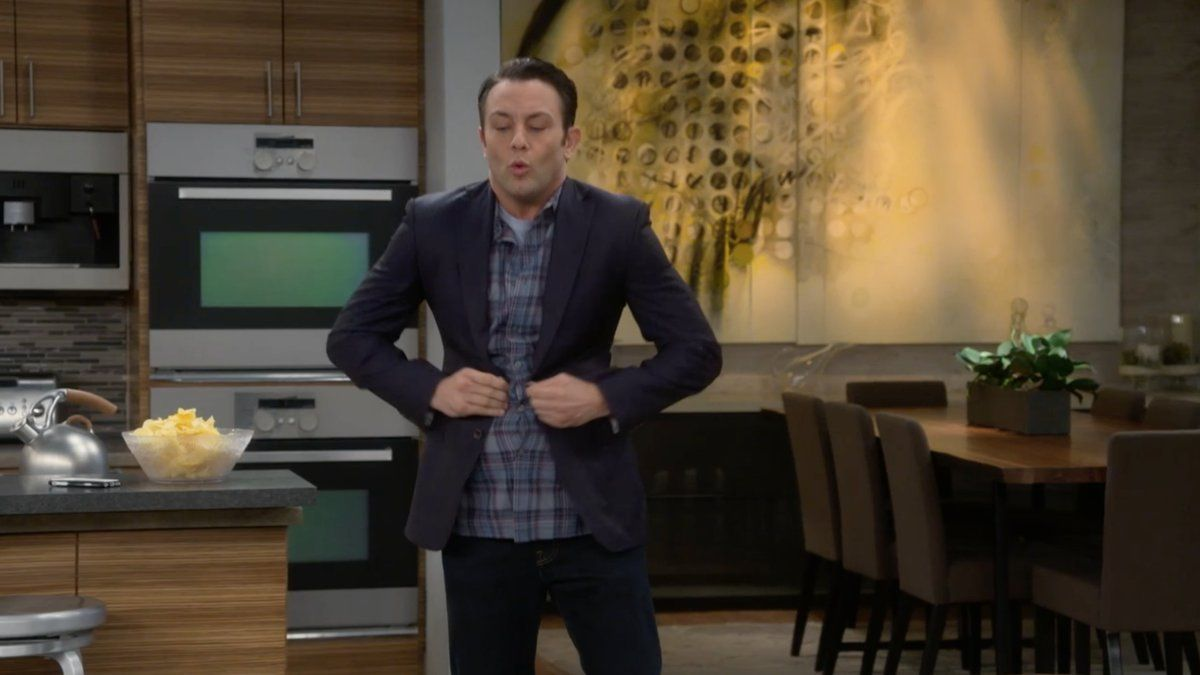 """S4 Ep3 """"Young & Fried"""" - That awkward moment when... #YoungAndHungry"""