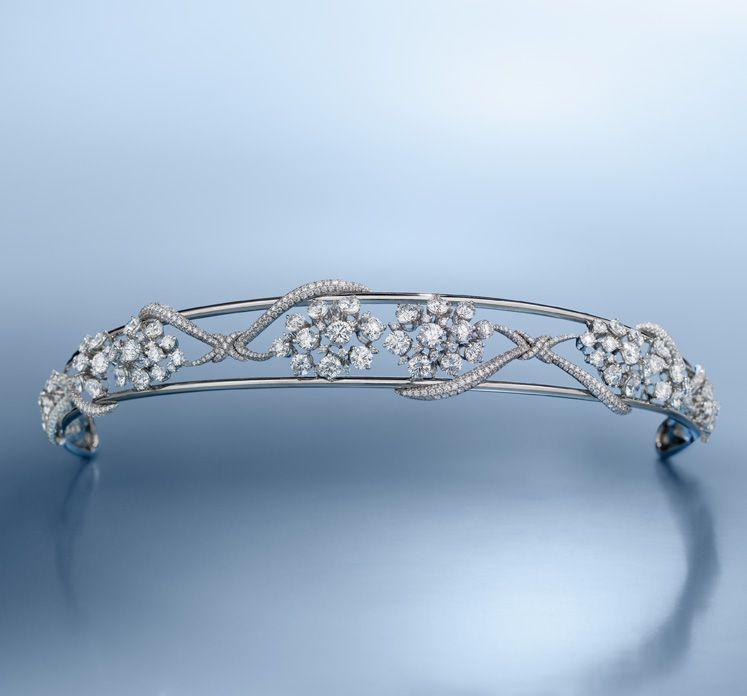 Engagement Rings Kuwait: Bandeau Of Diamonds And Platinum C. 2007. Kuwait. In 2019