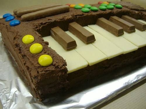 Piano Cake!  (for Lizz)