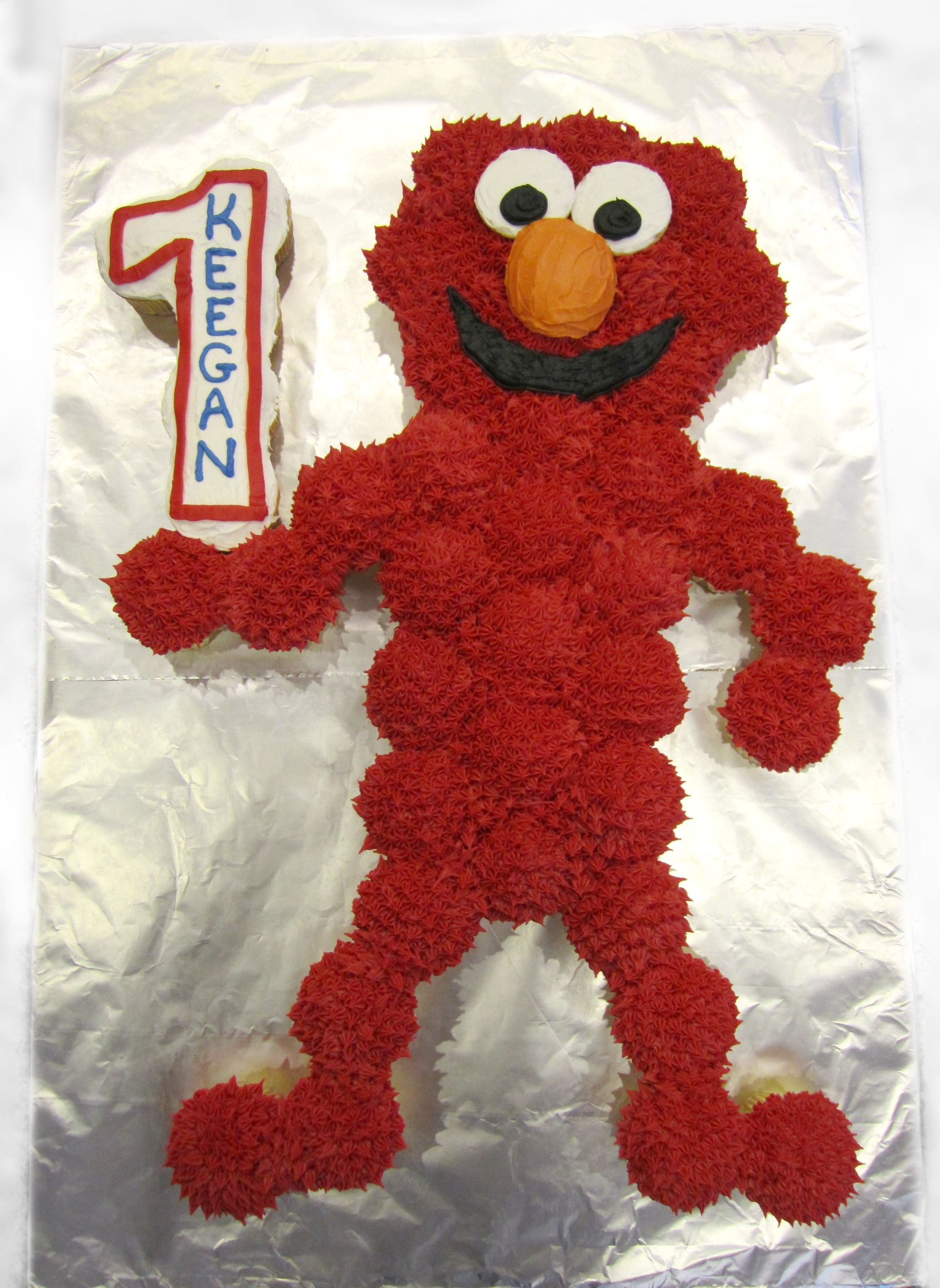 Elmo Cupcake Cake Ideas