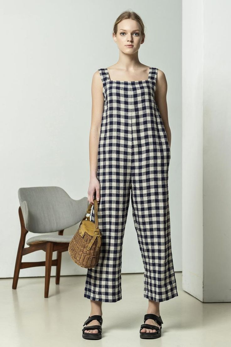 Sleeveless linen jumpsuit This checked jumpsuit is so easy ...