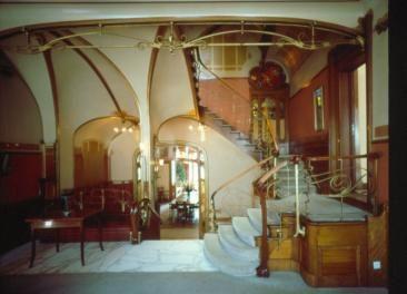 Hortamuseum eetkamer en trappenhuisgedeelte van een gebouw wa