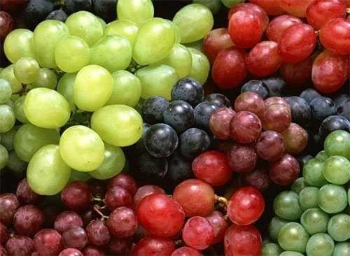 Margariteños descartan uvas para la cena de Nochevieja