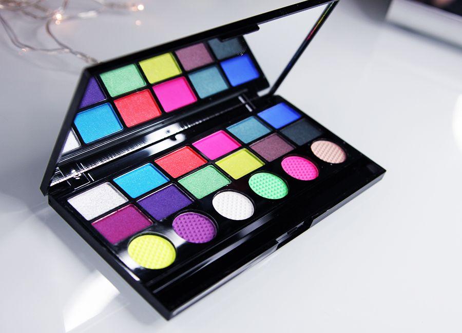 Review - Makeup Revolution Colour Chaos Palette - Beauty 'n Spice