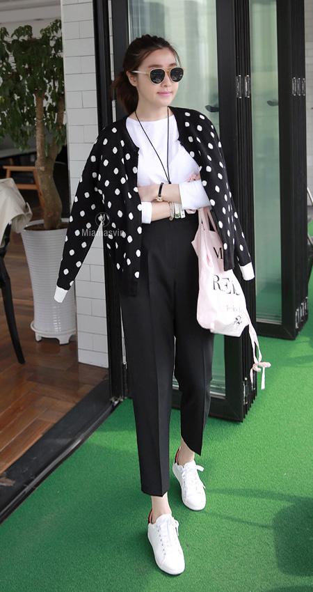 Dotted Knit Cardigan | Korean Spring Fashion #seoul #cafe #streetstyle
