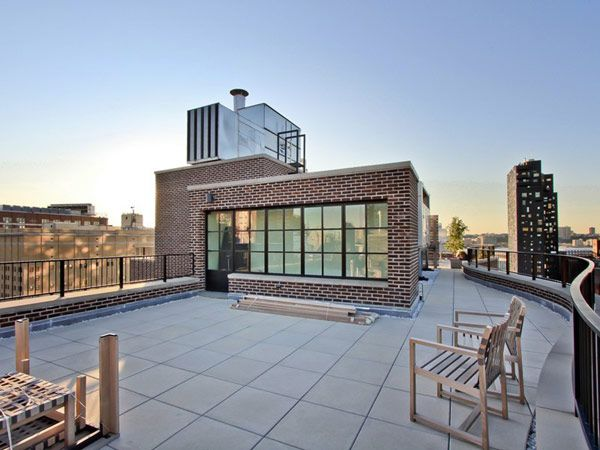 un superbe penthouse en duplex new york york terrasses et espaces ext rieurs. Black Bedroom Furniture Sets. Home Design Ideas