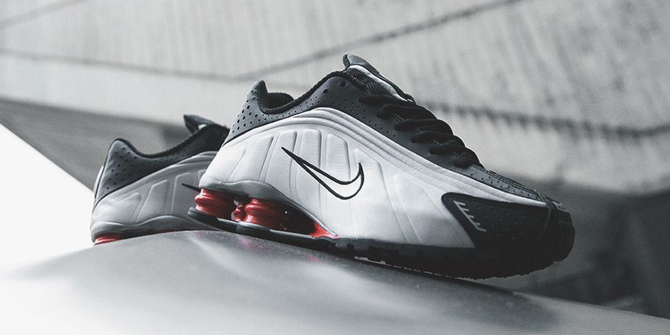 nike black and silver shoes