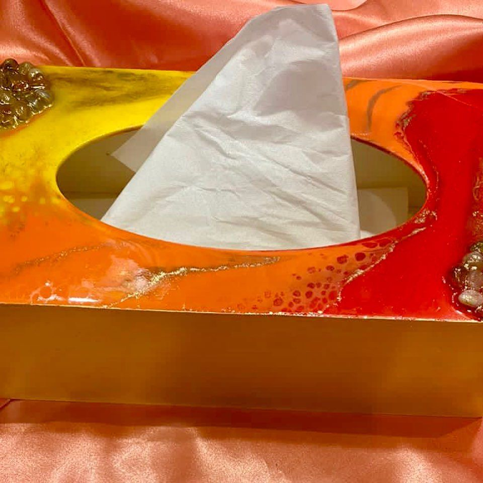 Resin tissue box!! Elevate your vanity or workspace with this handcrafted resin tissue box or gift ur loved one's this festive season!! Can be customised in vibrant shade as per ur choice!! 😊 Dm for further details!! #tissuebox #tissueboxcover #resinartwork #festive #giftideas #gifthampers #ondemand #goodvibes #vibrant #sunset #fluid #artoftheday #crafts #shadesofsunset