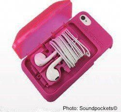 12 Handy Travel Tech Gadgets For Families #coolelectronics