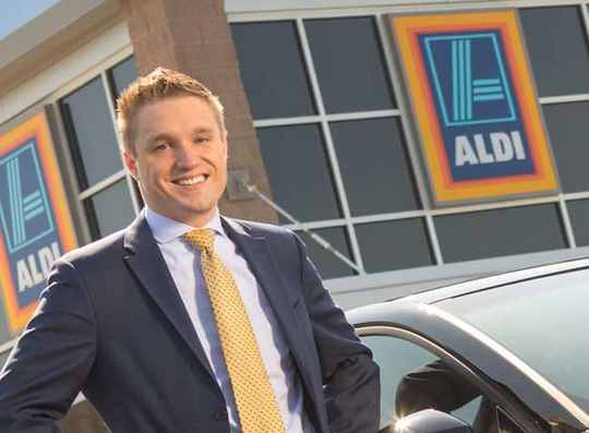 District Manager Position At Aldi Serious Responsibility And Serious Rewards The District Manager Position At Ald District Manager Manager Position Districts
