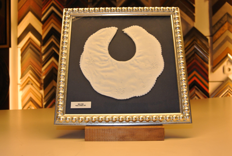 marco para cuadro con babero enmarcado en tienda de cuadros y marcos ...