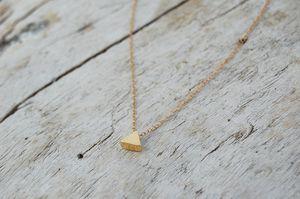 [dores handmade] gold triangle necklace