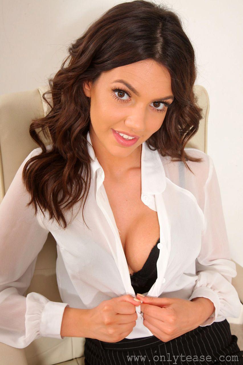 Секретарша с дойками, свинг секс онлайн
