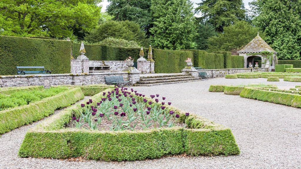 Scottish Gardens in Angus & Dundee #gardens #scotland #glamnis ...
