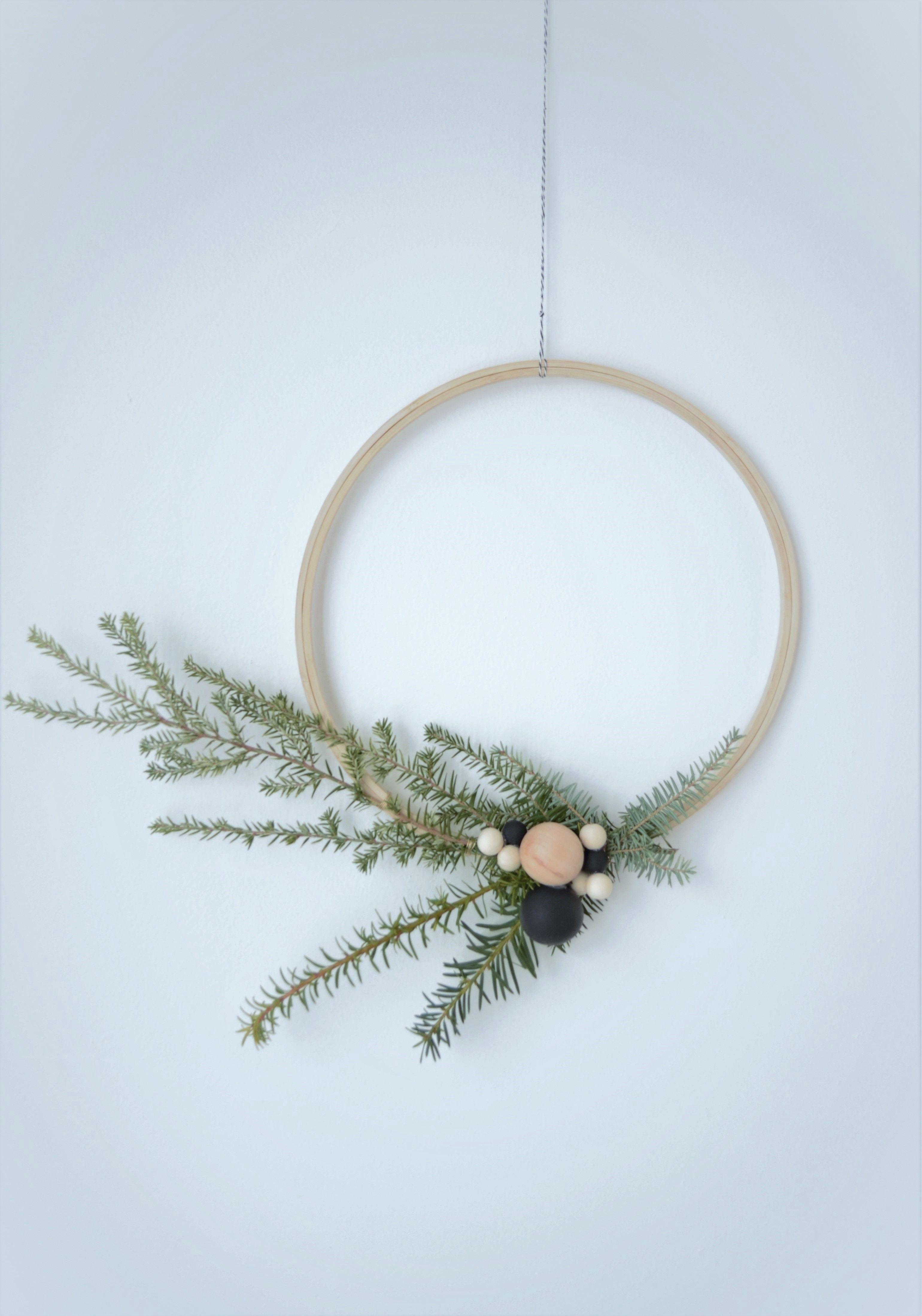 Get The Look Scandinavian Christmas Grey Eglantine Scandinavian Christmas Christmas Wreaths Easy Christmas Wreaths