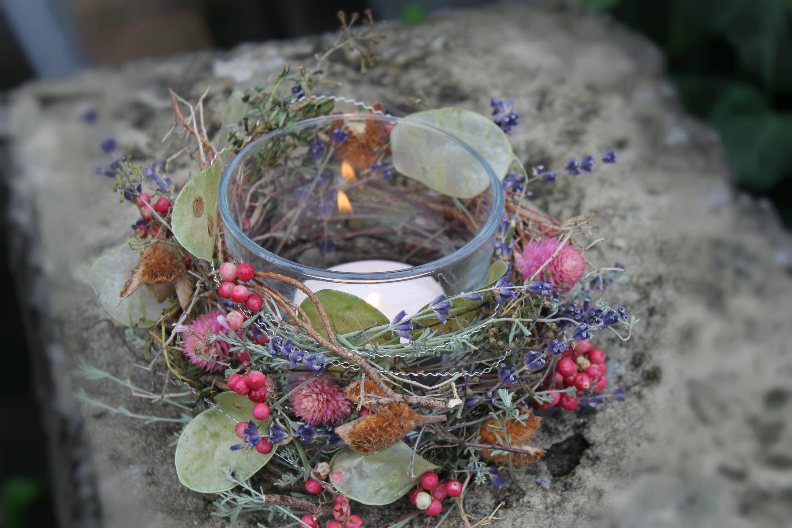 Herbstzauber im glas mit kerze kerzen deko ideen mit for Herbst dekoration im glas