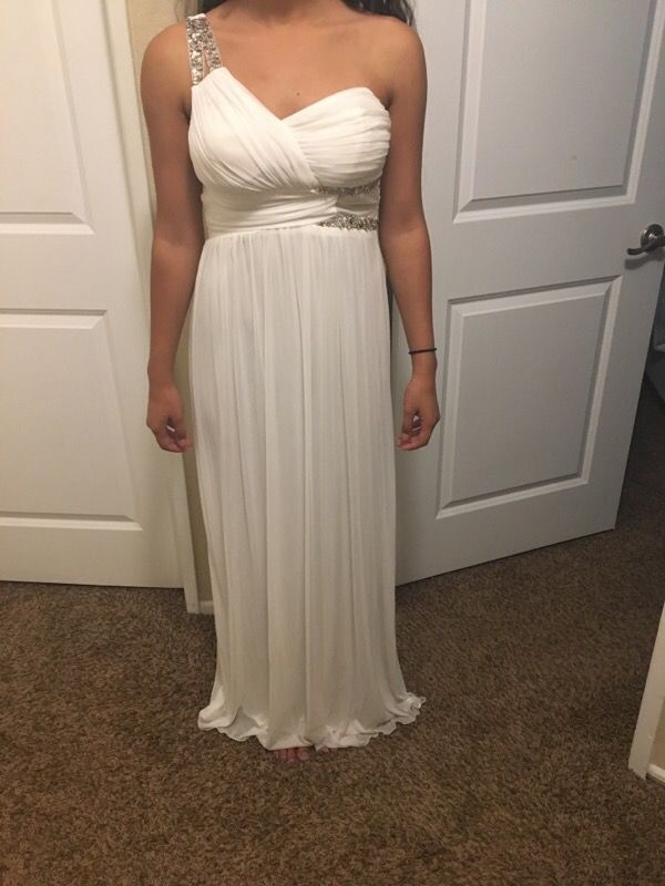 White prom dress | selling on offerup app. | Pinterest | Prom