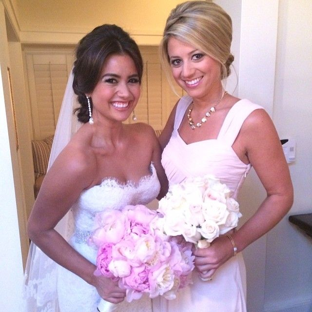 The Bachelor S Catherine Giudici And Her Bridesmaid Lesley Who Was On Sean S Season With Her Bachelor Wedding Wedding Beauty Wedding Hair And Makeup