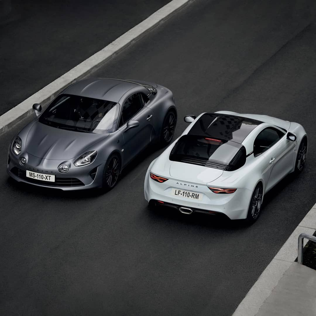 Like the original Berlinette of the 60s, the new @alpine_cars A110S is a compact 2-seater sports car – a true exponent of light weight but with all the creature comforts you need to make it a pleasurable as well as exhilarating drive. See the UK debut at Salon Privé 2019. Ticket link in bio. . . . #SalonPrive2019 #ArtInMotion #SalonPriveExperience #blenheimpalace #s