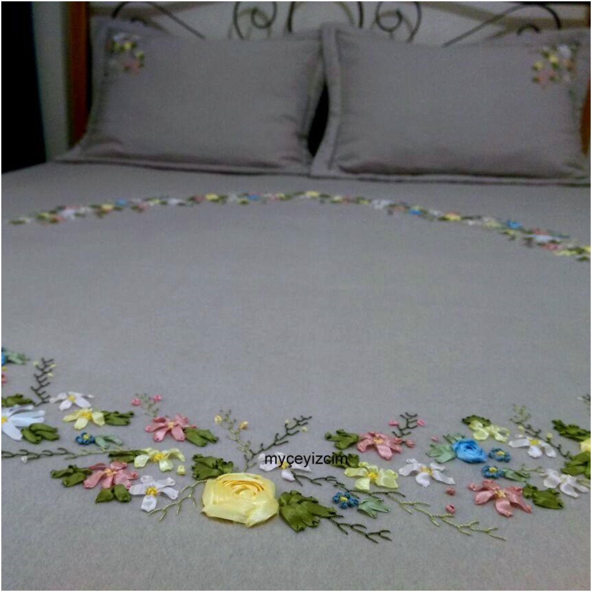 Ribbon embroidery bedspread designs - Explore Broderie Tutorial Ribbon Embroidery And More