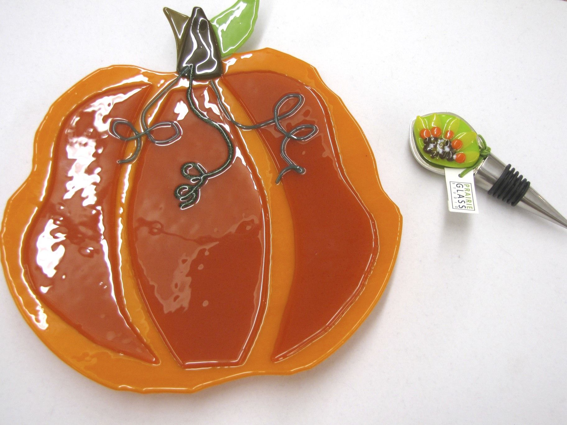 Pumpkin Dish And Sunflower Wine Stopper Made By Prairie Glass Studio In Topeka Ks Fused Glass Fused Glass Art Glass Pumpkins