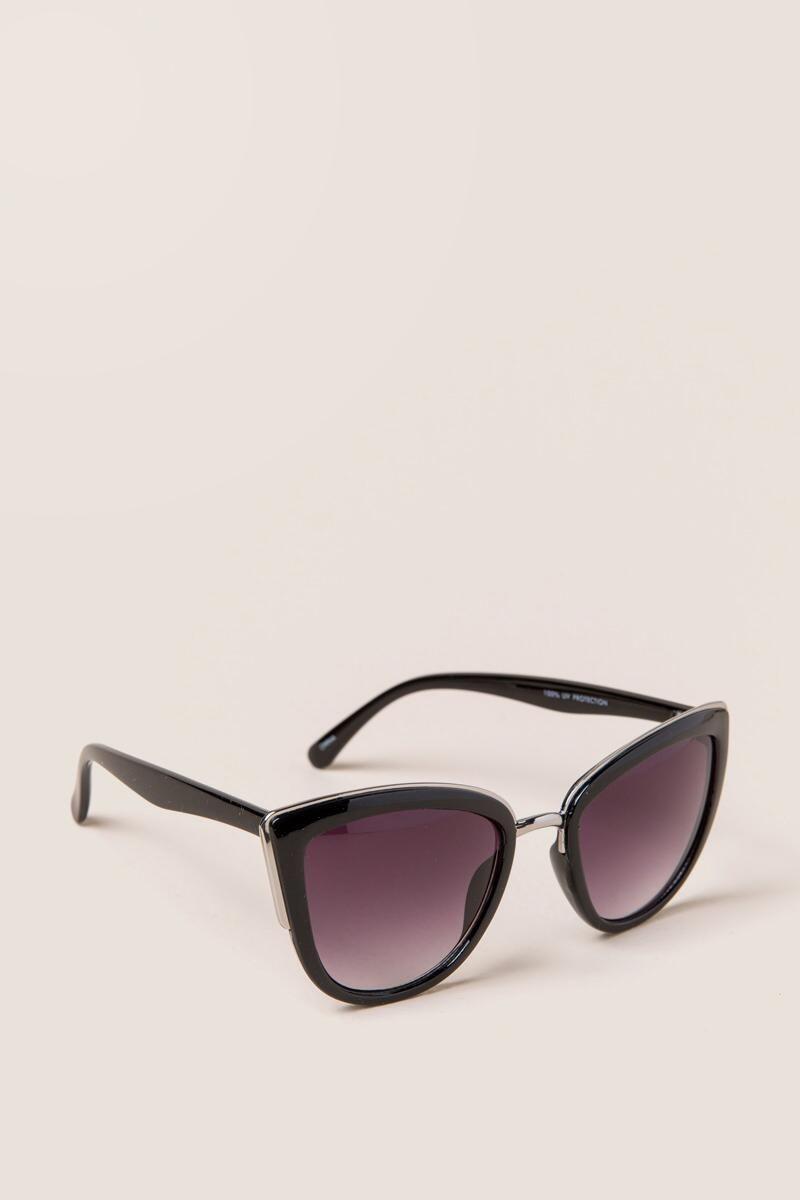 626624bb479 Shea Cat Eye Sunglasses in Black. Prefer black sunglasses