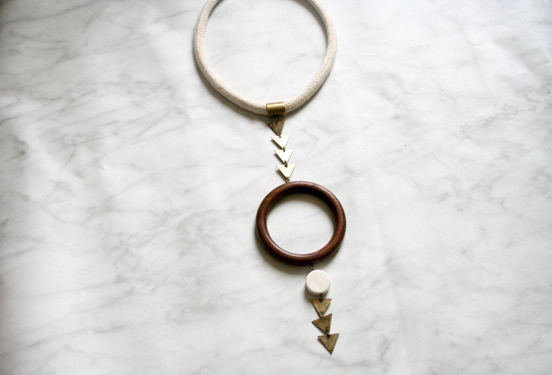 HOLO collier plastron collier minimaliste par LESBIJOUXDEJOE