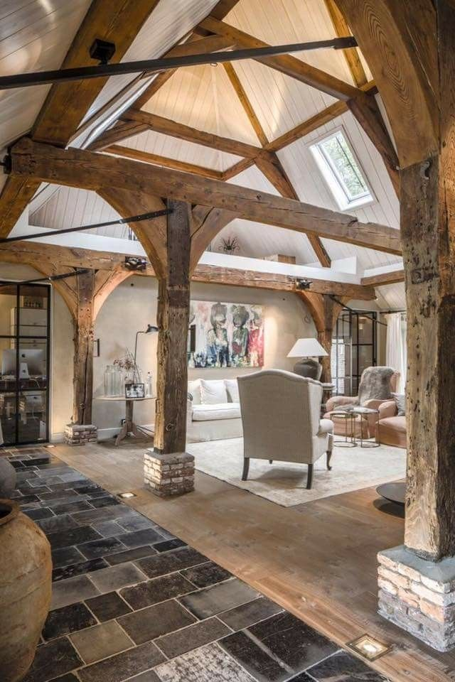 I Love The High Ceilings With Wood Beams Scheune Renovierung Rustikales Haus Rustikale Hauser