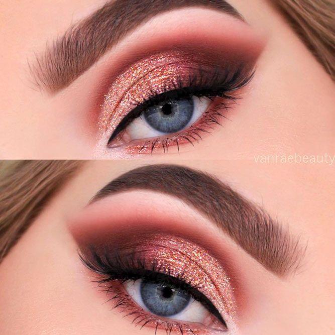 Las diferentes sombras de ojos para ojos azules tienen un propósito diferente. Mientras choo