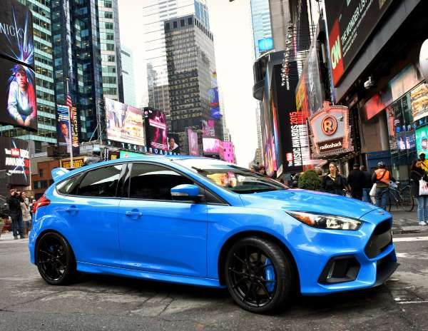 Giant Killers The Hottest Small Cars Ford Focus Ford Focus Rs