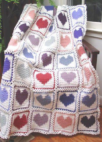 Kalp Motifli En Güzel Bebek Battaniye Modelleri