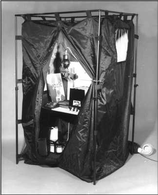 (in)visible MA blog Portable darkroom! & in)visible MA blog: Portable darkroom!! | Cuarto Oscuro ...