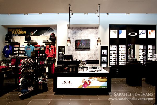 oakley shop mall of the emirates